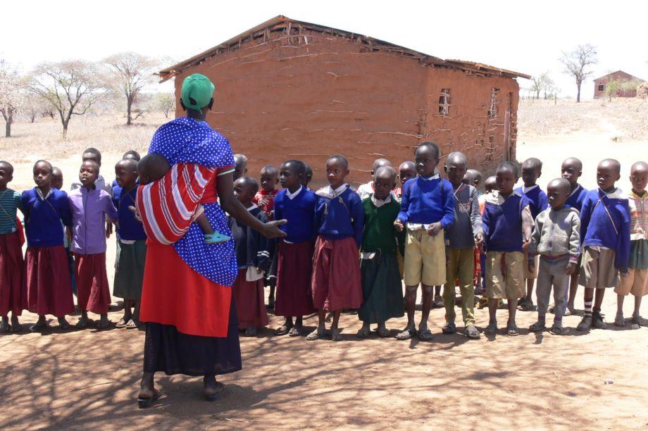 Build a school for 100 Maasai children in Tanzania