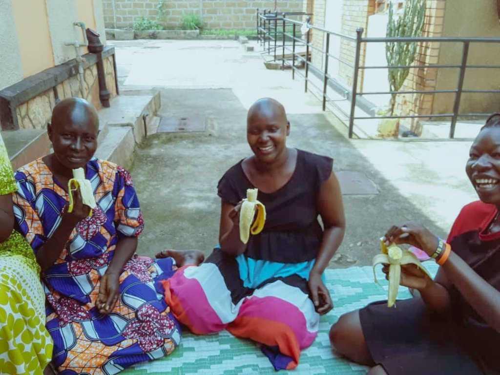 HELP PROVIDE SHELTER TO 28,800 WOMEN WITH CANCER