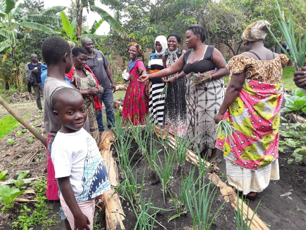 1,000 Women's Gardens for Health and Nutrition