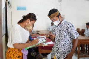 Scholarship distribution in Ubud