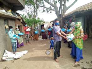 Relief Kits being distributed in Jhabua district