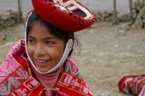 Secure an income for rural Quechua women weavers