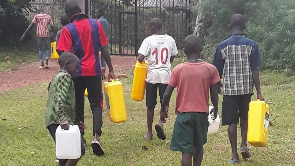 Give safe water to 82 Ugandan orphans