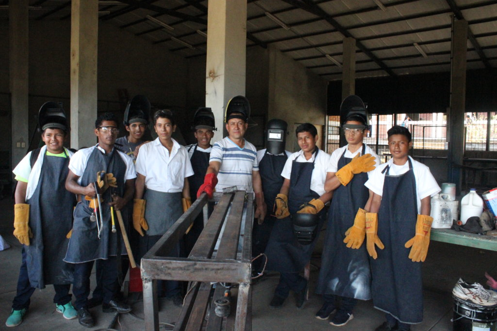 Talleres - Workshops for young people in Honduras
