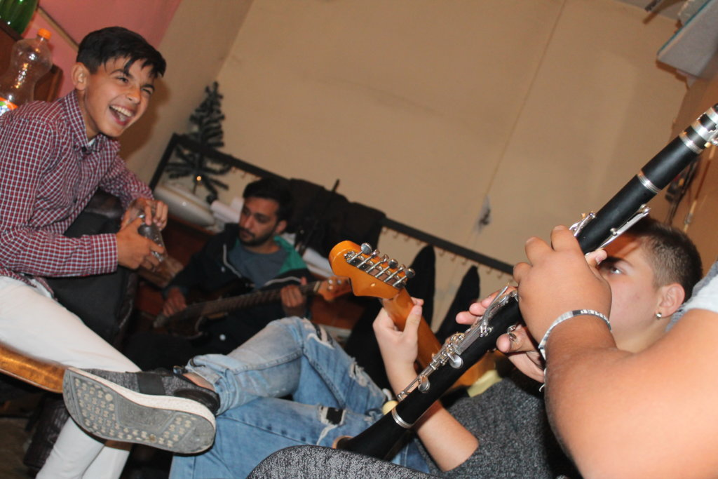 Support Roma Pupils Playing Music Instruments - MK