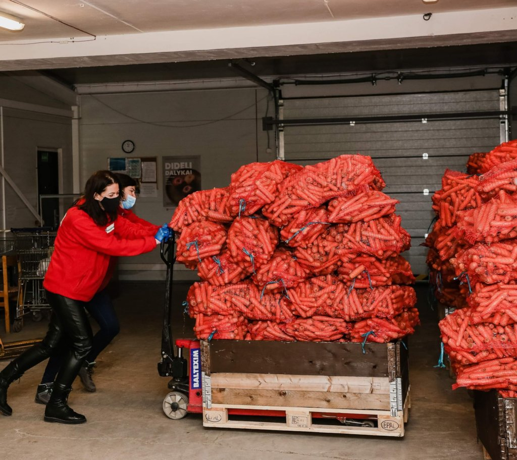500 t of food: saved from wasting, given to poor