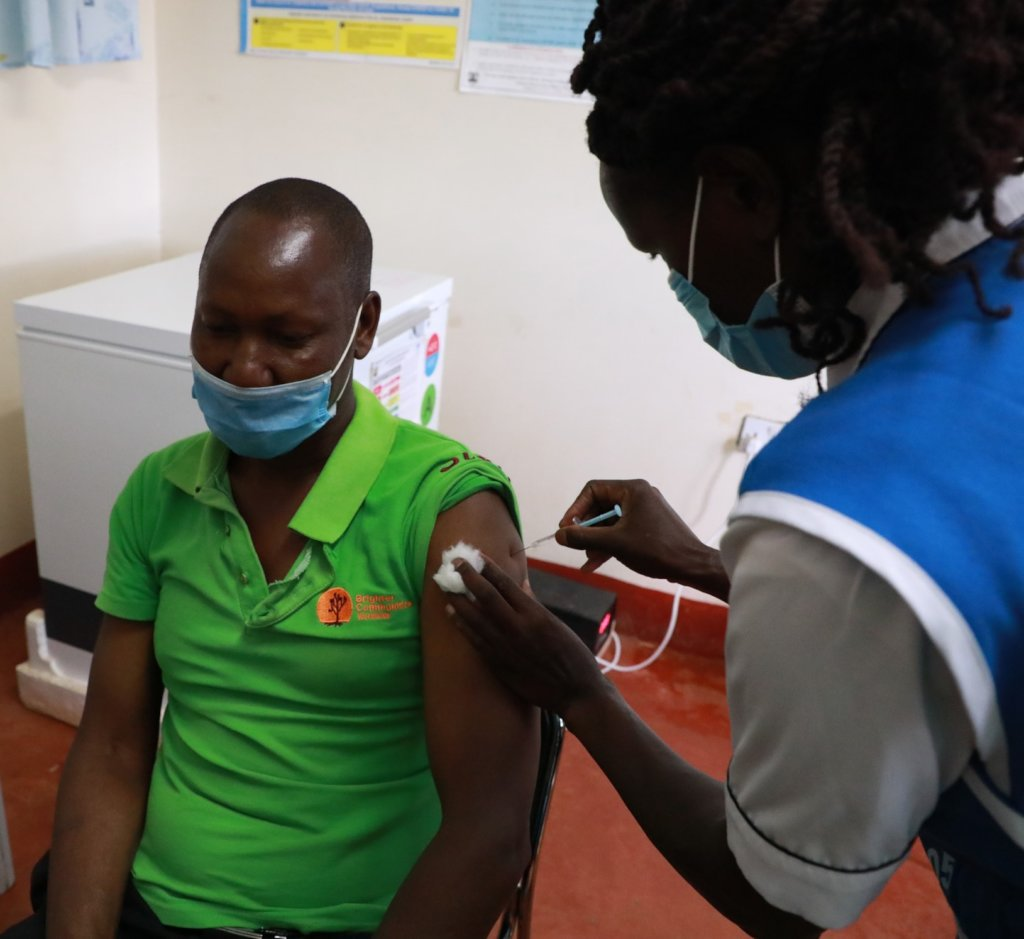 Support Covid-19 vaccine programme in rural Kenya