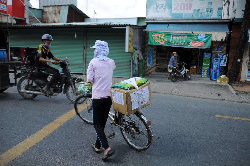 Helping 100 Left behind families in Vietnam