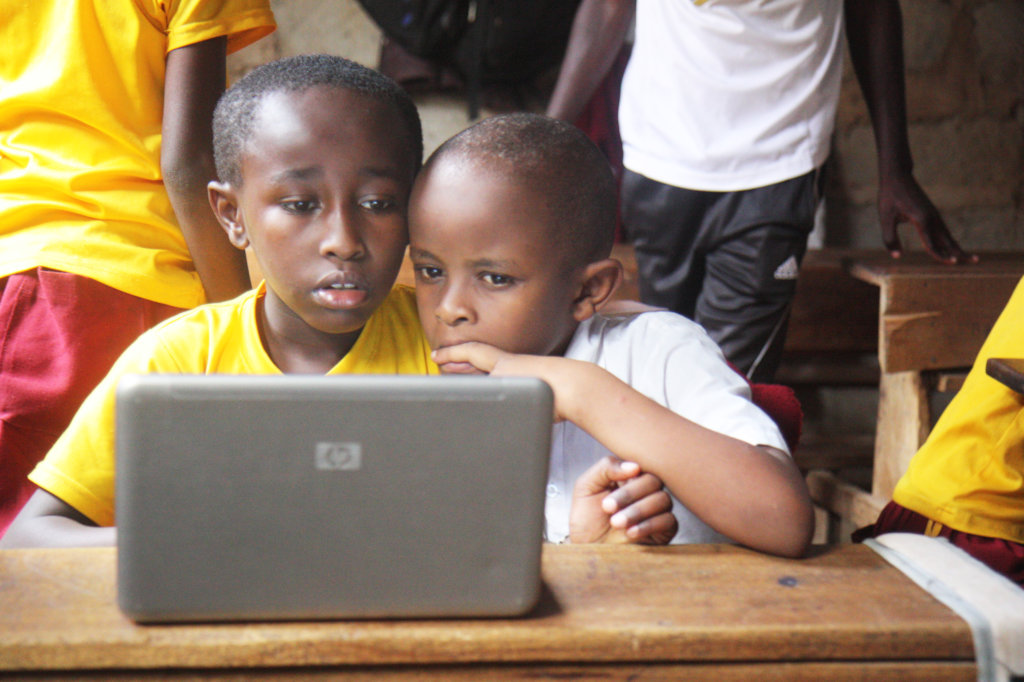 Promote digital learning in 15 informal schools