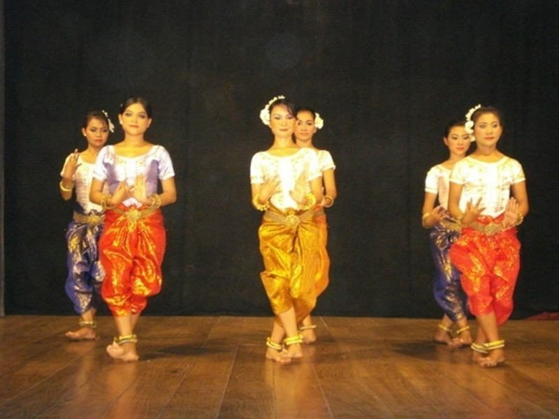 Summer Arts Camp for Orphans 2010 - Cambodia