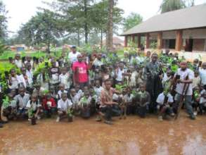 Children with seedlings for World Tree Day