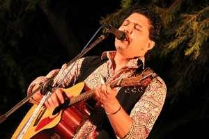 Arieb Azhar of Coke Studio sings for Flood Victims