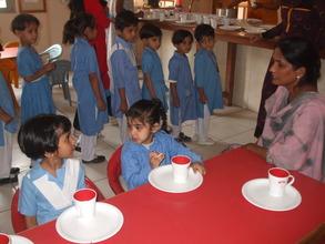 Bakhtawar & Zunaira discuss their favourite food