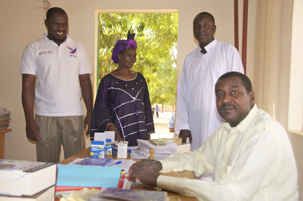 Help 80 Secondary Pupils in Niger Read and Write