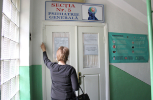 Lidia Presses Bell at Hospital Psychiatric Ward