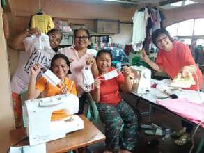 Volunteers who helped sew facemaks