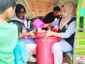 Distributing hot delicious food