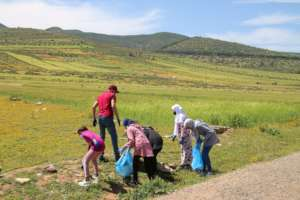 Plastic clean up around the Dar Taliba grounds