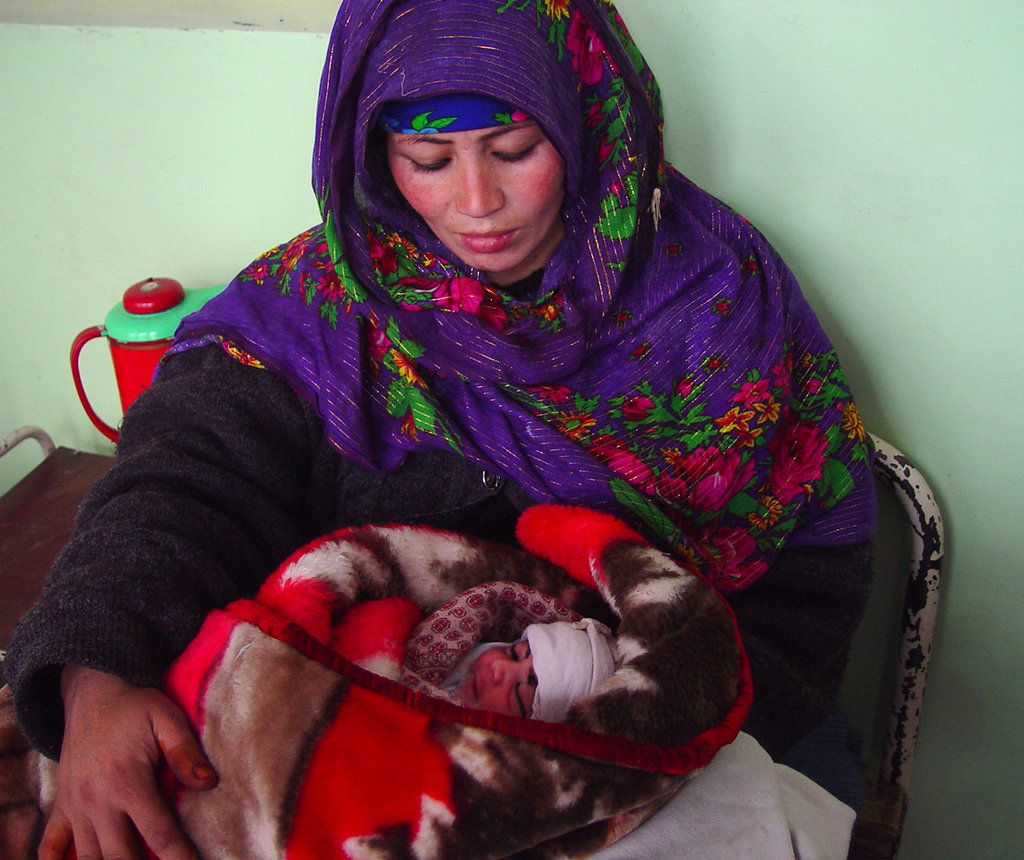 Help Pregnant Moms Give Birth Safely in Disasters