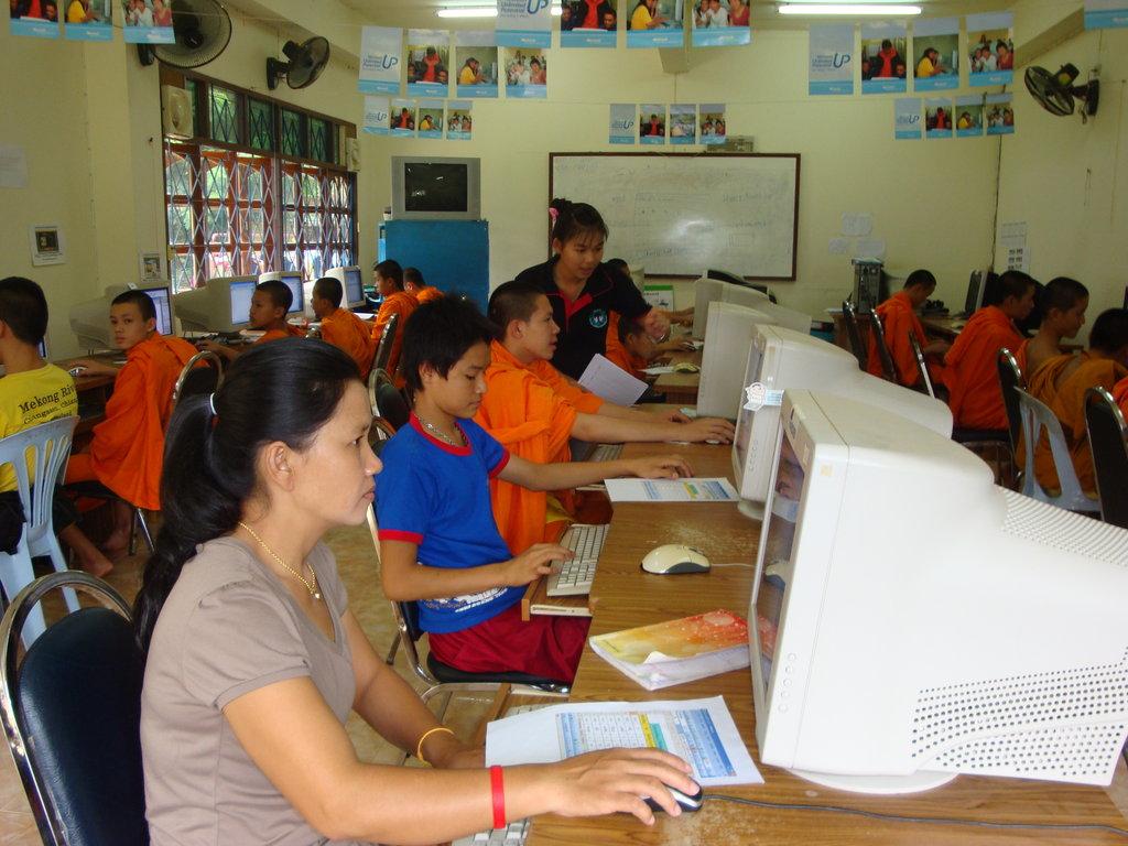 Literacy Education for Thai Minority Community