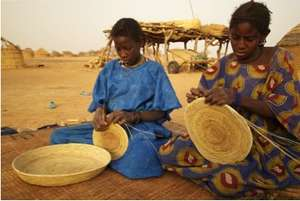 Tooru Tondi girls working on Leyfey wan asahar