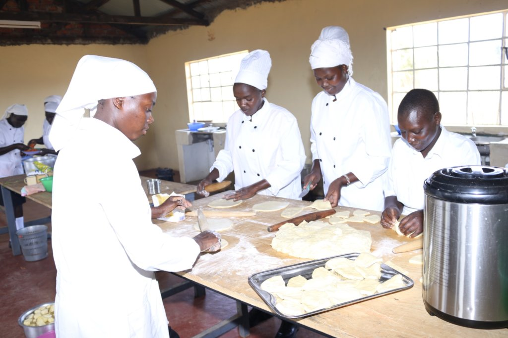 """Build Skills with the """"lost"""" Youth in Kenya"""