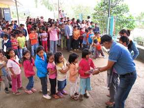 National Artist BenCab at a Baguio public school