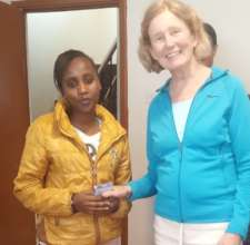 Kae Dakins shares gift with THAP patient