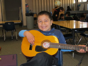 Children of Agricultural Workers Learn thru Music