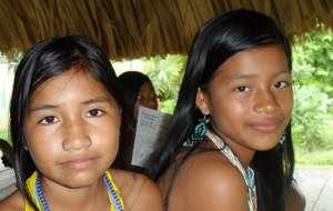 Girls of the Embera community