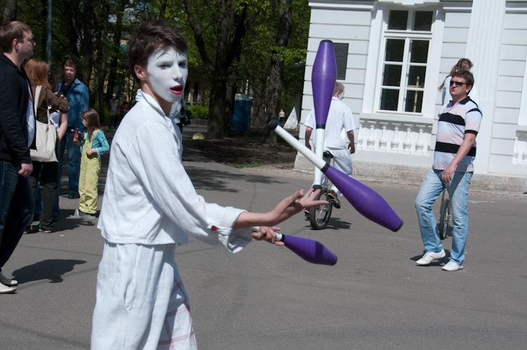 Alternative lifestyle for russian street children