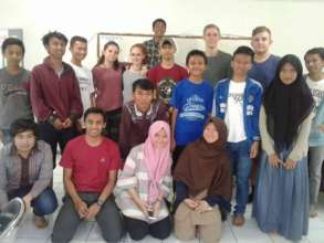 Edutourism participants and English class students