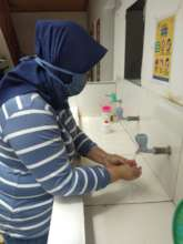 Washing hand before join the class