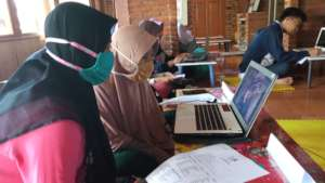 YUM provides internet access for the participants