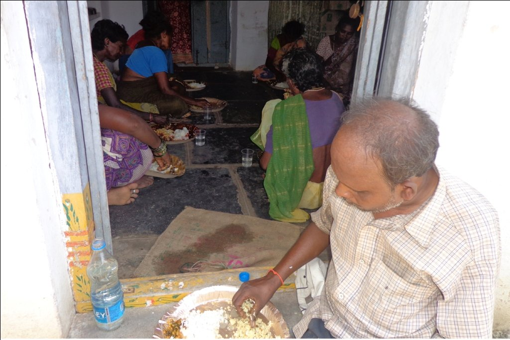 Sponsor nutritious meal to old destitute people