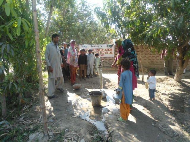 Installation of Hand Pump for flood affectess
